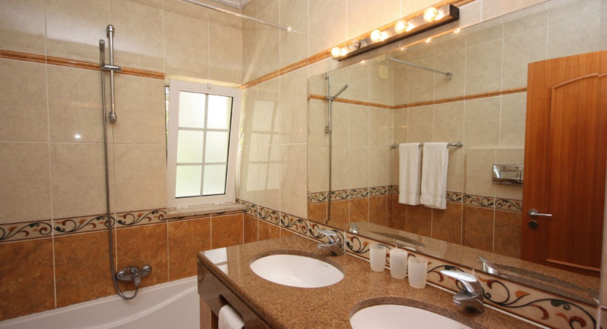 Varandas Da Lago Luxury Villa Bathroom