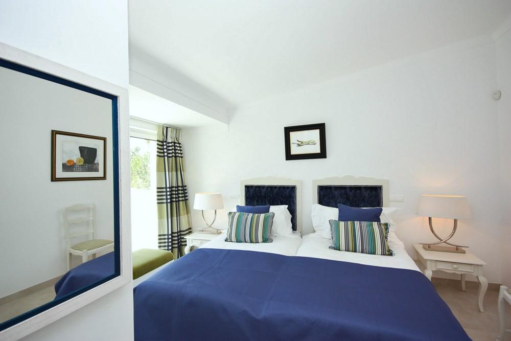 Monte Golfe Luxury Villa Bedroom3 Edited 1