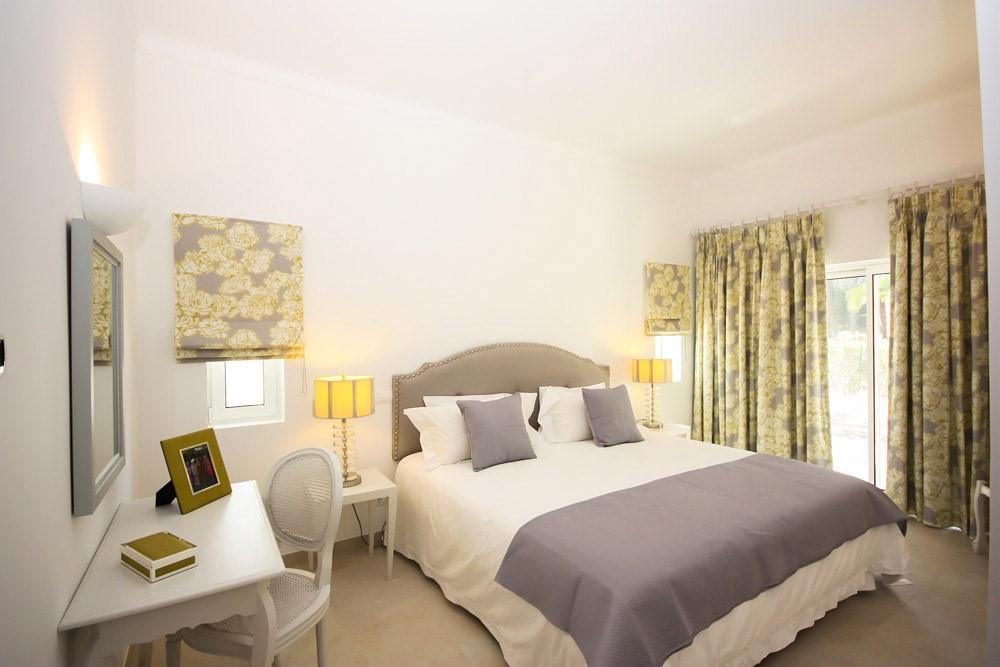 Monte Golfe Luxury Villa Bedroom4