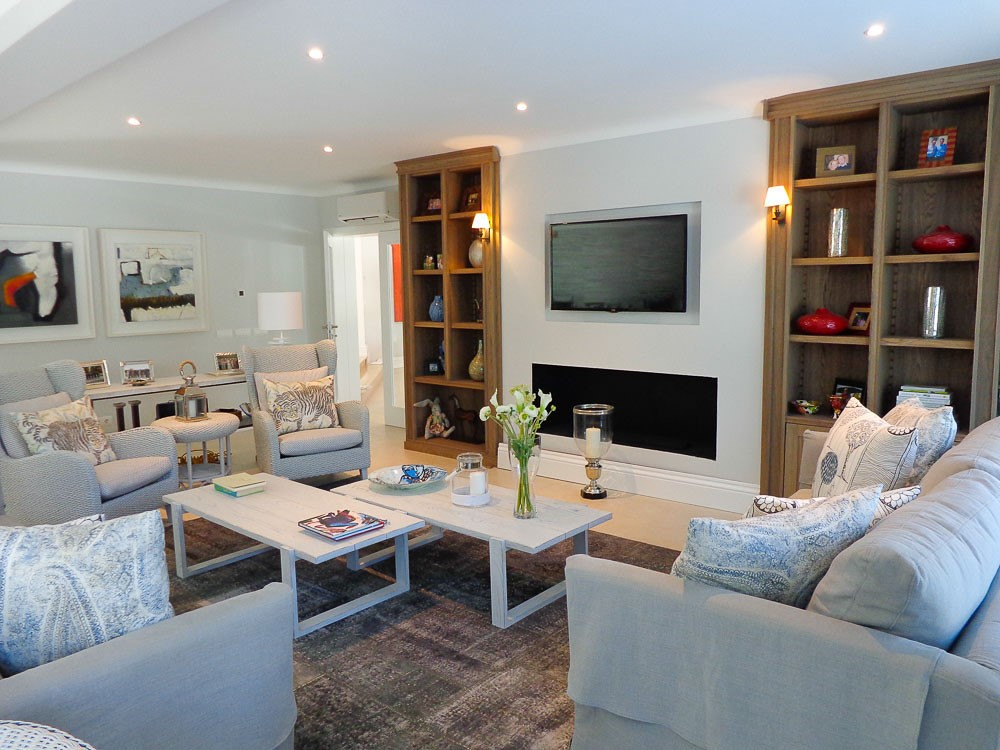 Monte Golfe Luxury Villa Family Room