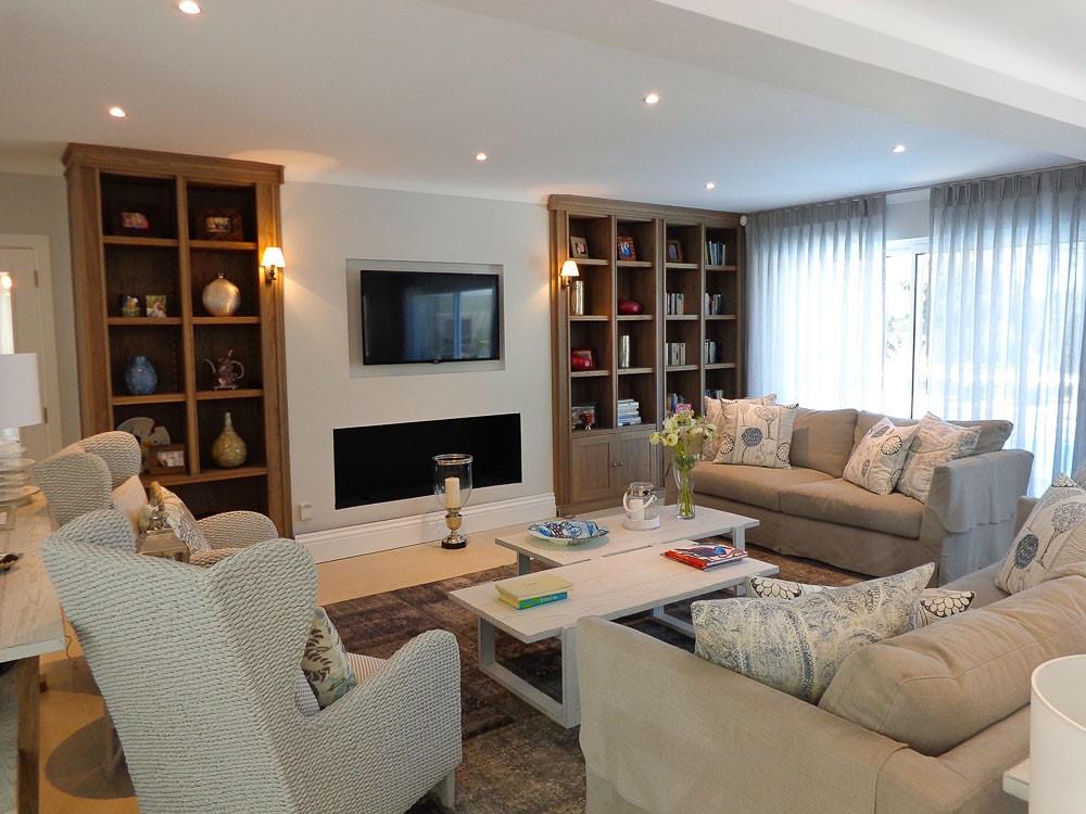 Monte Golfe Luxury Villa Family Room1