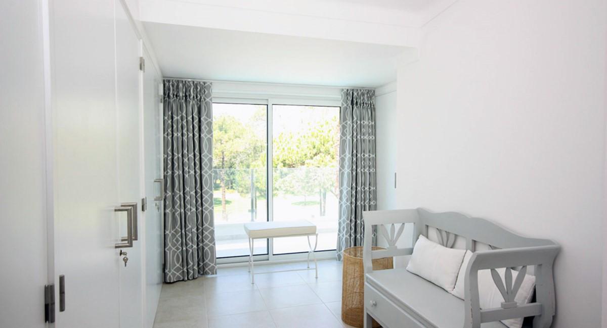 Monte Golfe Luxury Villa Master Dressing